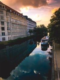 Kanal vor dem Hotel